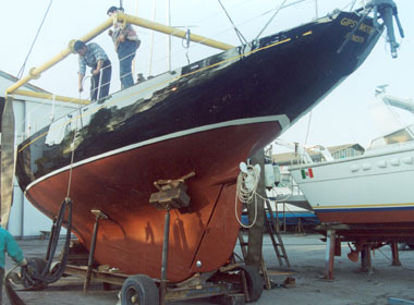 "Restoration of ""Gipsy Moth III"""