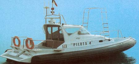 SUPERBLY 33 PILOTA - click to have more informations about this boat.